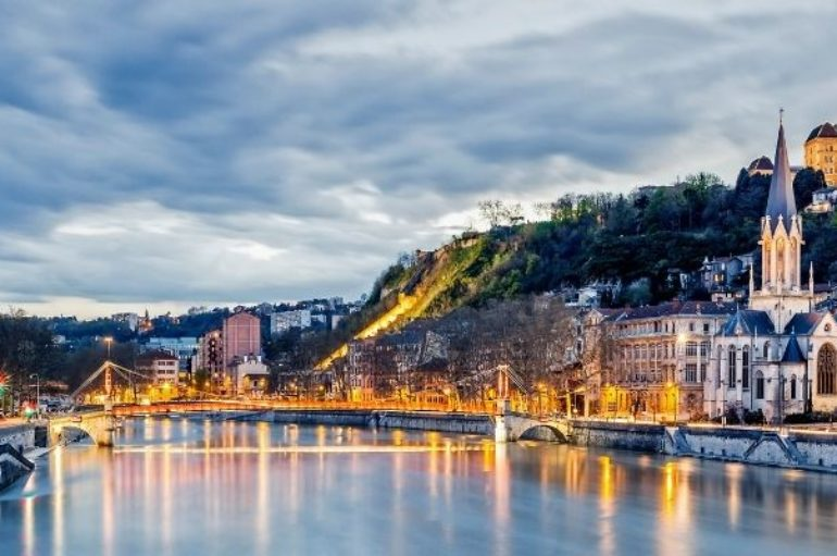 Quels sont les risques liés aux puces de lit et comment tuer puces de lit à Lyon ?